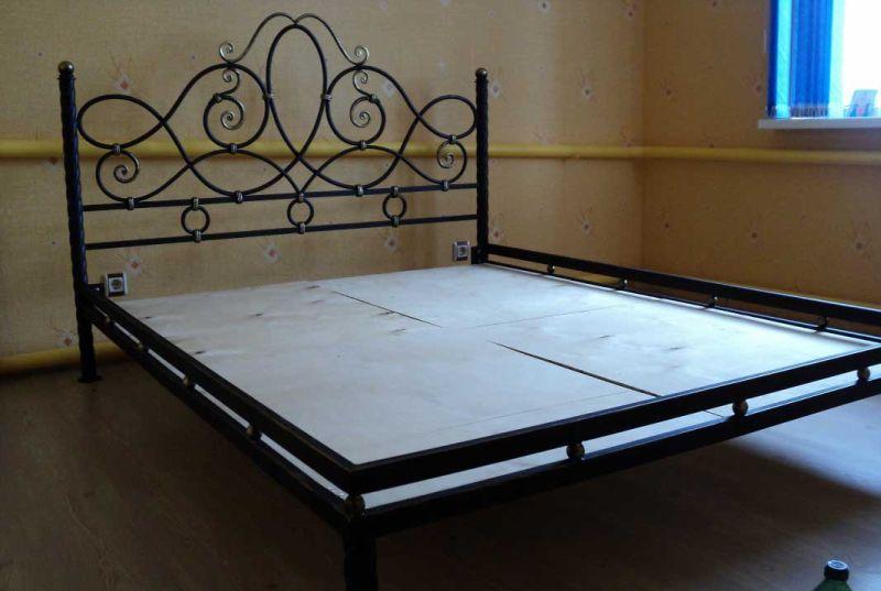 кровати кованые фото цены