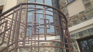 Кованые балконы фото №25