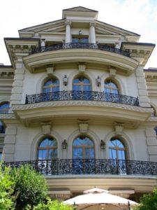 Кованые балконы фото №53