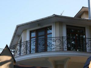 Кованые балконы фото №83