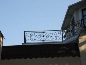 Кованые балконы фото №86