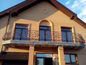 Кованые балконы фото №87