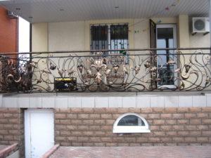 Кованые балконы фото №90