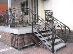 Кованые балконы фото №91