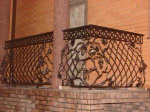 Кованые балконы фото №97