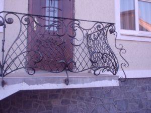Кованые балконы фото №98