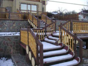Лестницы из сруба фото №1