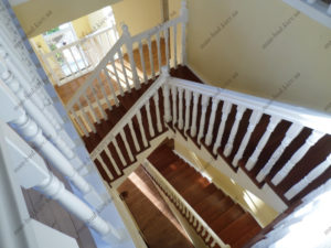 Деревянная лестница г. Днепропетровск №10