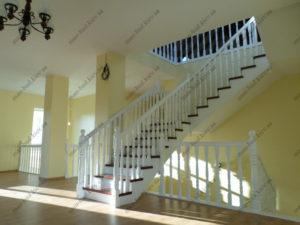 Деревянная лестница г. Днепропетровск №9