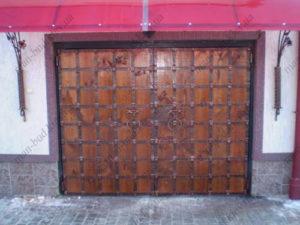 Кованые ворота с деревом №11