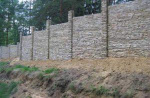 Заборы из камня, фото №1