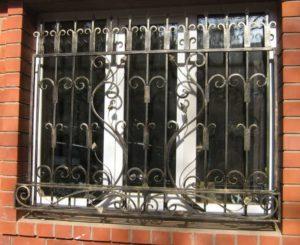 Кованые решетки на окна фото №72