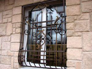 Кованые решетки на окна фото №74