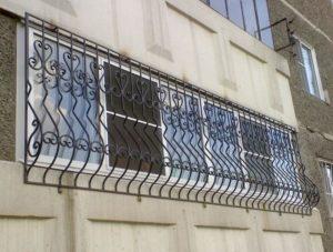 Кованые решетки на окна фото №77