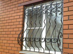 Кованые решетки на окна фото №71
