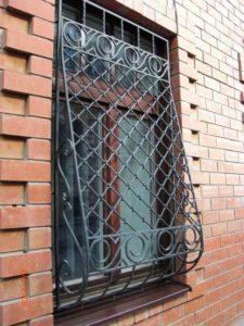 Кованые решетки на окна фото №67