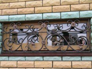 Кованые решетки на окна фото №62