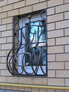 Кованые решетки на окна фото №51