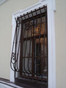 Кованые решетки на окна фото №1