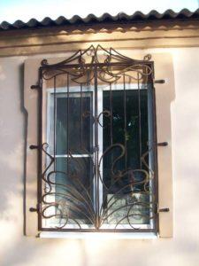 Кованые решетки на окна фото №3