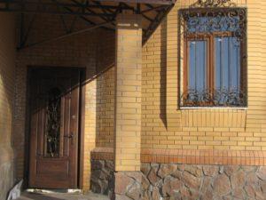 Кованые решетки на окна фото №33