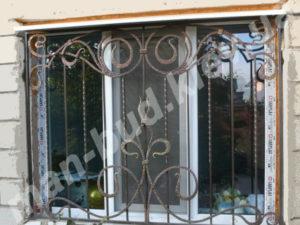 Кованые решетки на окна фото №7