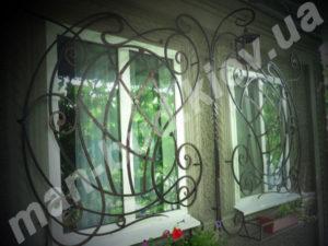 Кованые решетки на окна фото №9