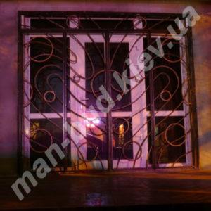 Кованые решетки на окна фото №32