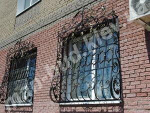 Кованые решетки на окна фото №5