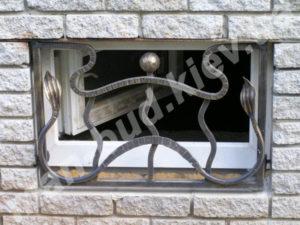 Кованые решетки на окна фото №6