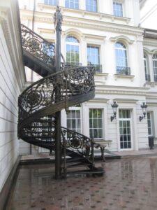 Кованая лестница в стиле барокко №7