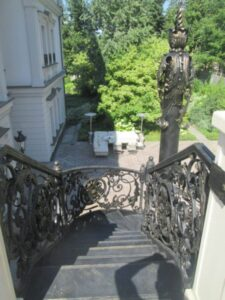 Кованая лестница в стиле барокко №8