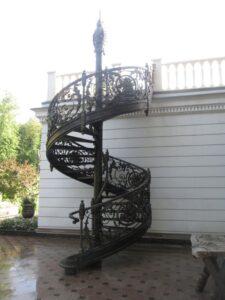 Кованая лестница в стиле барокко №6