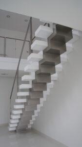 Лестница на ломаном косоуре, фото №1