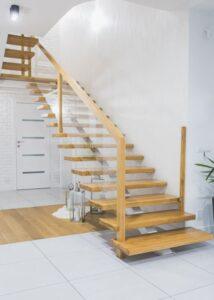 Металлические лестницы на одном косоуре, фото №1