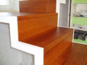 Металлическая лестница на косоурах, фото №12