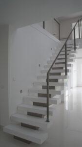 Лестница на ломаном косоуре, фото №2