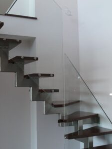 Лестница на ломаном косоуре, фото №3