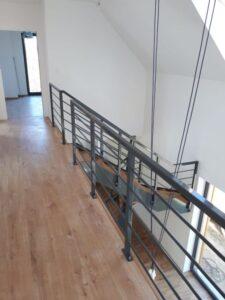 Лестница на металлических тетивах, фото №4