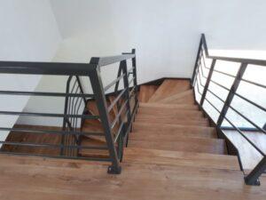 Лестница на металлических тетивах, фото №5