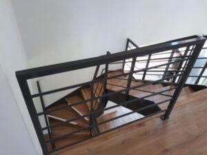Лестница на металлических тетивах, фото №6